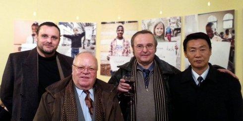 V.l.n.r. Manuel Ochsenreiter, Klaus Kolberg, Michael Koth, Kim Chol Su