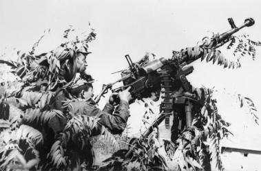150423 - SK - Die DVRK unter Führung von hervorragenden Songun-Heerführern - 03