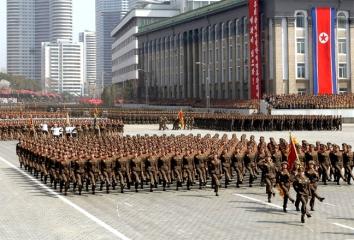 150424 - SK - Die Ehre Koreas - 01 - KVA - Koreanische Volksarmee