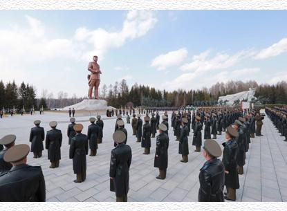 150714 - SK - Der große Songun-Heerführer Marschall KIM JONG UN - 06