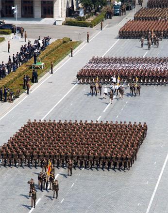 150716 - SK - KIM JONG UN - Die unbesiegbare Revolutionsarmee mit einem herausragenden Heerführer an der Spitze - 06
