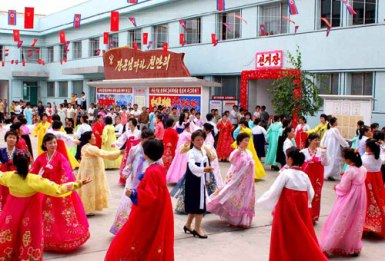 150720 - RS - Teilnahme an den Kommunalwahlen teil - 04 - 함흥시 동흥산구역에서