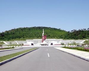 150726 - SK - Die Helden leben ewig fort - 01 - Ehrenfriedhof der gefallenen Teilnehmer an dem Vaterländischen Befreiungskrieg