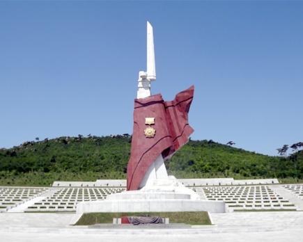 150726 - SK - Die Helden leben ewig fort - 03 - Ehrenfriedhof der gefallenen Teilnehmer an dem Vaterländischen Befreiungskrieg