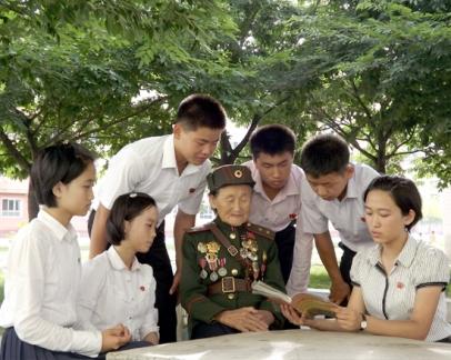 150727 - SK - Enkelkinder der Kriegsveteranen - 01