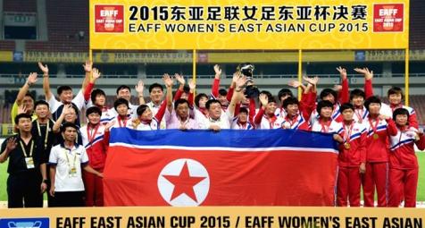 150810 - Naenara - Die DVRK-Fußballerinnen belegten im Frauen-Ostasienpokal 2015 des Ostasiatischen Fußballverbandes den ersten Platz - 02
