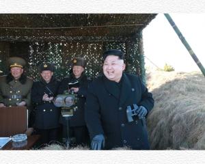150821 - SK - KIM JONG UN - Der Geist der Unbesiegbarkeit - 01