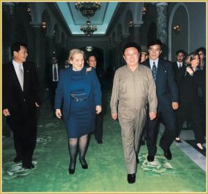 170216-naenara-kim-jong-il-patriot-aller-zeiten-089-treffen-mit-madeleine-k-albright-us-aussenministerin-oktober-2000